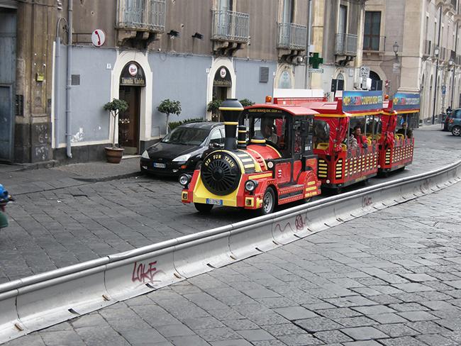 カターニア観光バス