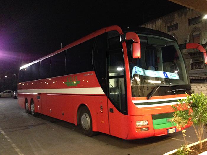 カターニア発のバス
