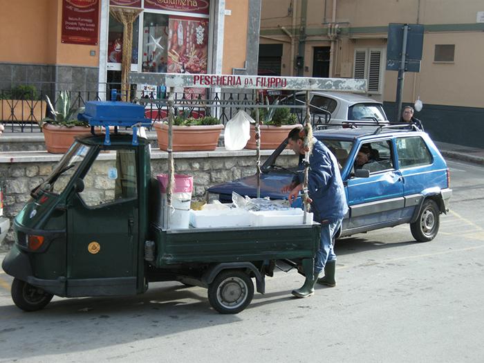 シチリア 魚売りの行商